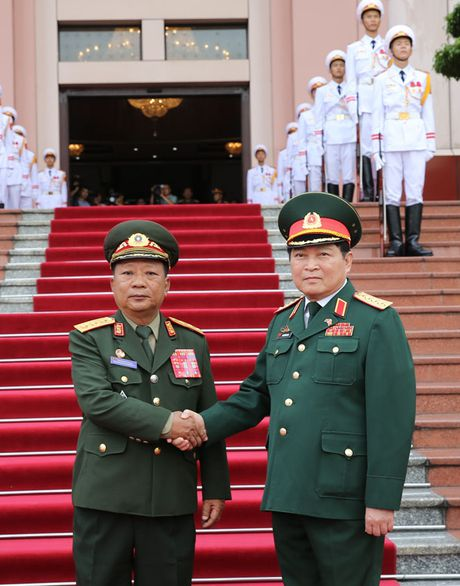 Hoi dam quan su cap cao Viet - Lao - Anh 2