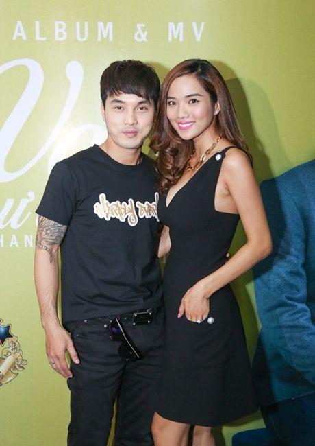 "Ngoai Elly Tran, day la ""ba me 2 con"" nong bong nhat showbiz Viet - Anh 7"