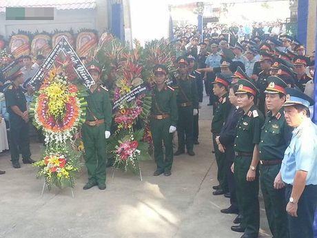 Tiec thuong tien Dai ta phi cong Tran Quang Khai ve voi bau troi - Anh 18
