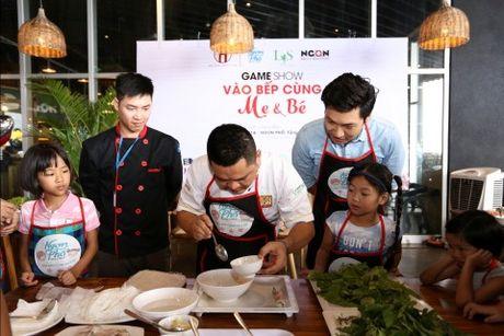 'Bo oi minh di dau the' - Dien vien Manh Truong va be Chip lam giam khao Gameshow - Anh 3
