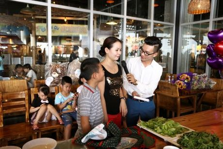 'Bo oi minh di dau the' - Dien vien Manh Truong va be Chip lam giam khao Gameshow - Anh 6