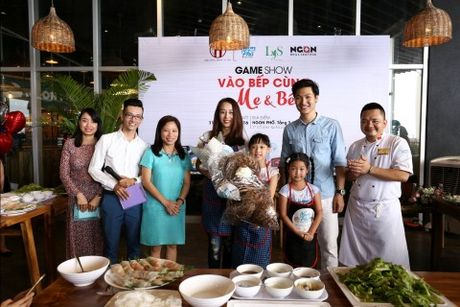 'Bo oi minh di dau the' - Dien vien Manh Truong va be Chip lam giam khao Gameshow - Anh 7