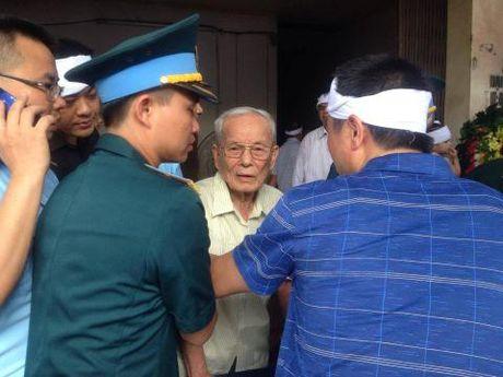 Nghen ngao giay phut nguoi cha gia don linh cuu Dai ta Tran Quang Khai tai que nha - Anh 1