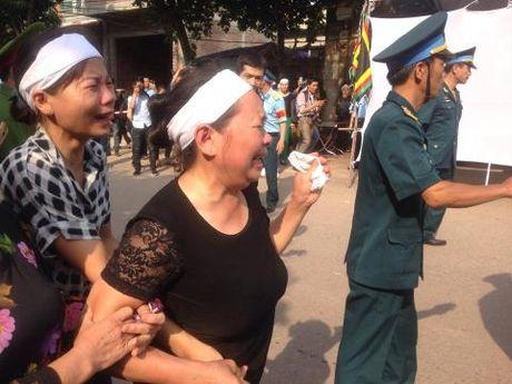 Nghen ngao giay phut nguoi cha gia don linh cuu Dai ta Tran Quang Khai tai que nha - Anh 3