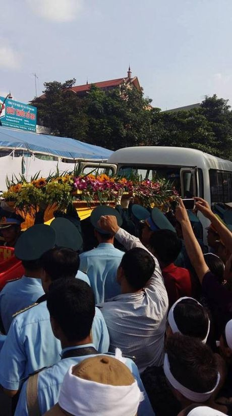 Nghen ngao giay phut nguoi cha gia don linh cuu Dai ta Tran Quang Khai tai que nha - Anh 8
