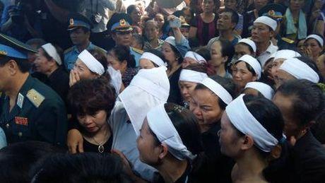 Nghen ngao giay phut nguoi cha gia don linh cuu Dai ta Tran Quang Khai tai que nha - Anh 9
