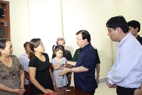 Pho Thu tuong tham hoi, dong vien gia dinh Dai ta Tran Quang Khai - Anh 2