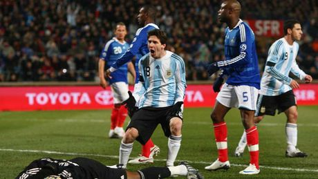 54 khoanh khac giup Messi sanh ngang 'vua doi bom' Batistuta (P1) - Anh 12