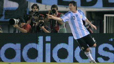 54 khoanh khac giup Messi sanh ngang 'vua doi bom' Batistuta (P1) - Anh 13