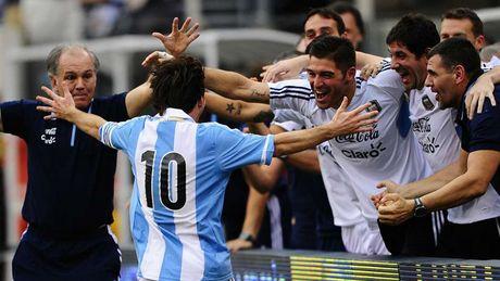 54 khoanh khac giup Messi sanh ngang 'vua doi bom' Batistuta (P1) - Anh 26