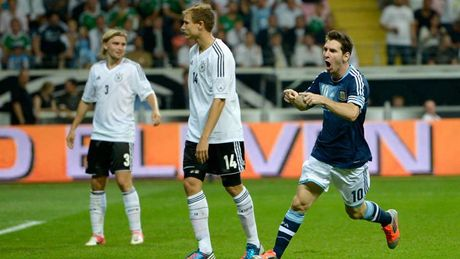 54 khoanh khac giup Messi sanh ngang 'vua doi bom' Batistuta (P1) - Anh 28