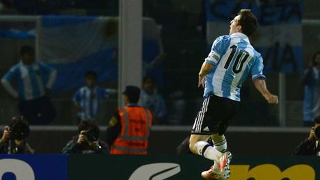 54 khoanh khac giup Messi sanh ngang 'vua doi bom' Batistuta (P1) - Anh 29