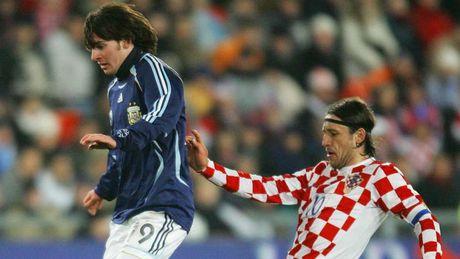 54 khoanh khac giup Messi sanh ngang 'vua doi bom' Batistuta (P1) - Anh 2