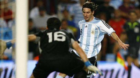 54 khoanh khac giup Messi sanh ngang 'vua doi bom' Batistuta (P1) - Anh 5