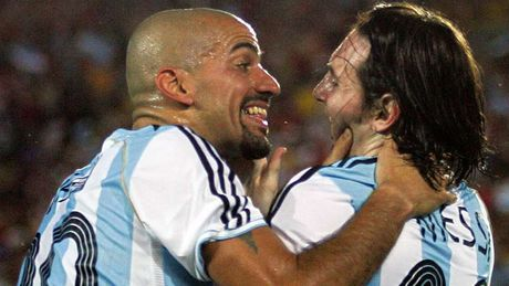 54 khoanh khac giup Messi sanh ngang 'vua doi bom' Batistuta (P1) - Anh 7