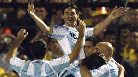 54 khoanh khac giup Messi sanh ngang 'vua doi bom' Batistuta (P1) - Anh 9