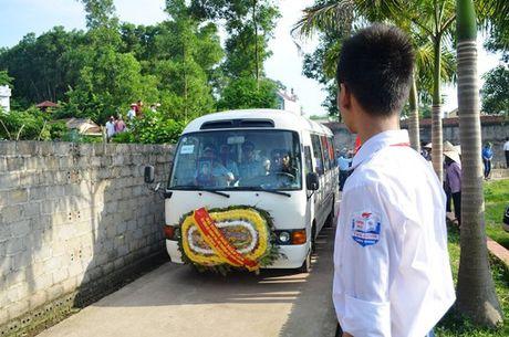 Dam le dua phi cong Tran Quang Khai ve voi dat me que huong - Anh 3