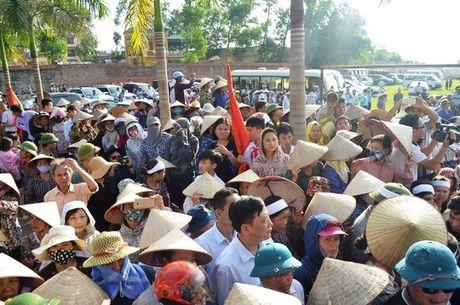 Dam le dua phi cong Tran Quang Khai ve voi dat me que huong - Anh 4