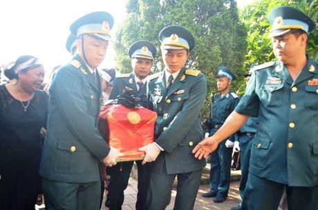 Dam le dua phi cong Tran Quang Khai ve voi dat me que huong - Anh 6