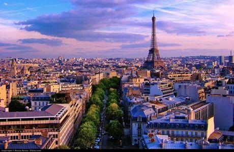 EURO chua cuu noi du lich Paris - Anh 1