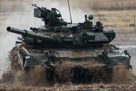 T-90 lot vao Top 5 xe tang manh nhat the gioi - Anh 1
