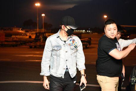 Bi Rain da co mat tai Viet Nam tham gia dem chung ket HHVN 2016 - Anh 2