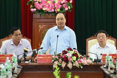 Thu tuong: Phu Yen nhu 'co gai dep dang ngu quen' - Anh 2