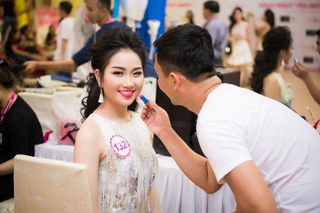Thi sinh Hoa hau Viet Nam da san sang cho dem chung ket - Anh 2