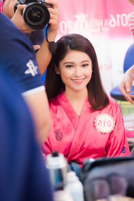 Thi sinh Hoa hau Viet Nam da san sang cho dem chung ket - Anh 5