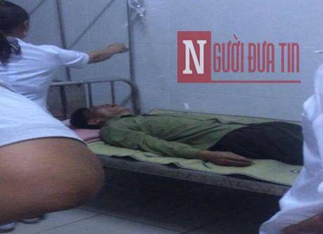 Lo nguyen nhan Truong cong an xa dung sung ban vao mieng - Anh 1