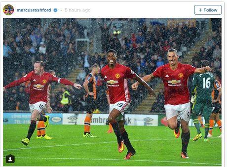 Rashford tiet lo ly do ngo lo Rooney, Ibrahimovic khi ghi ban - Anh 1