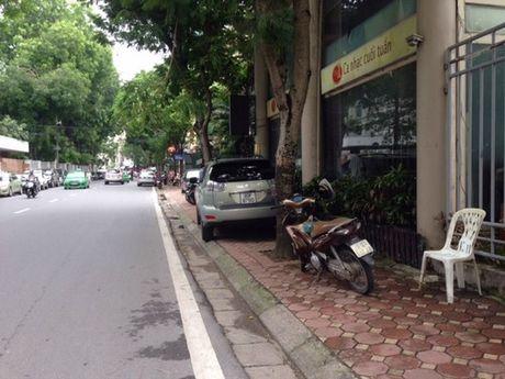 Phuong Le Dai Hanh (Ha Noi): Nhuc nhoi van nan vi pham trat tu do thi tren tuyen pho Hoa Lu - Anh 3