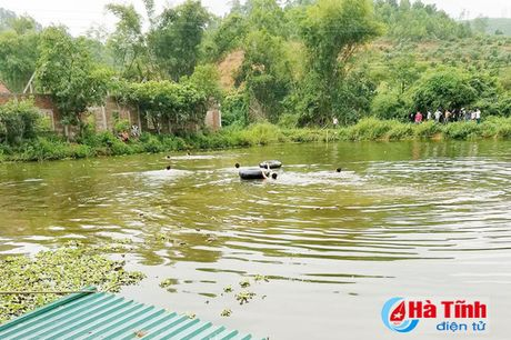 Tap boi cho con gai, 2 bo con chet duoi thuong tam - Anh 1