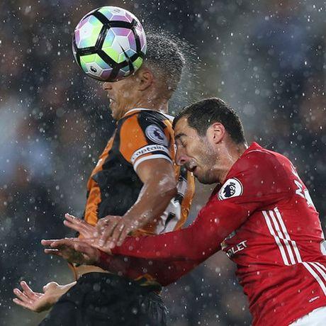 'Than tai' Rashford giup Man United co 3 diem o phut bu gio - Anh 4