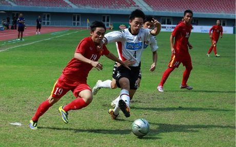 U19 Viet Nam bi phat du lot vao chung ket - Anh 1