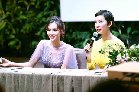 Xuan Lan va Hoa hau Quy ba chau A lap quy tu thien - Anh 1