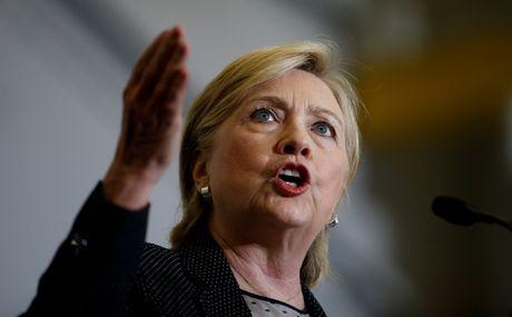 Ba Clinton duoc nhan thong tin mat ve an ninh quoc gia - Anh 1