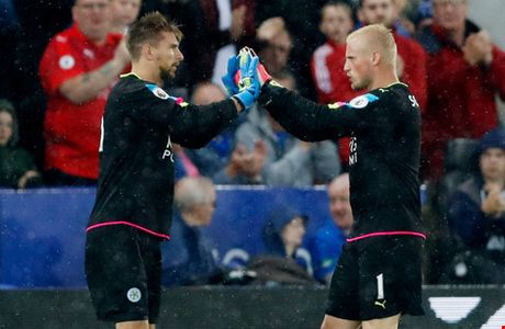 Leicester - Swansea City: Nguoi hung Jamie Vardy len tieng - Anh 3