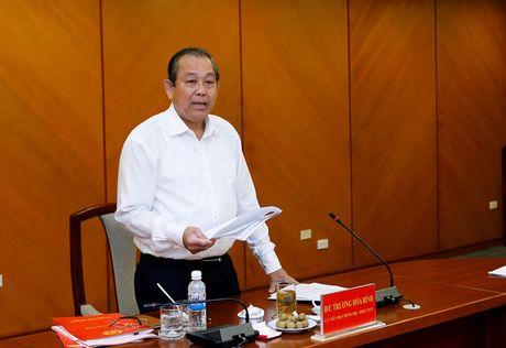 Pho thu tuong Truong Hoa Binh hop xu ly khieu nai dong nguoi - Anh 1