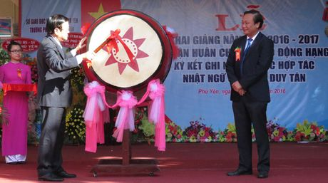 Nguyen Chu tich nuoc Truong Tan Sang danh trong khai giang nam hoc moi - Anh 1