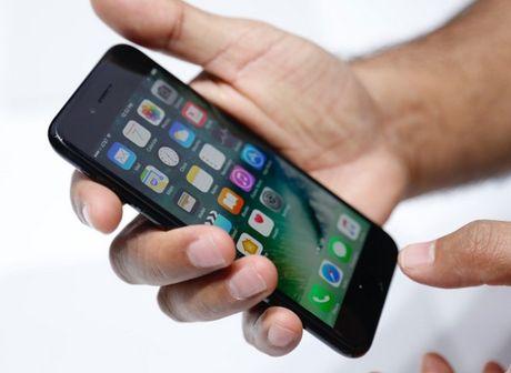 Viet Nam cam sac va gui Samsung Galaxy Note 7 tren may bay; Toi pham robot se nhieu hon con nguoi trong tuong lai - Anh 4