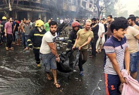 IS lai danh bom lieu chet o trung tam Baghdad, hang chuc thuong vong - Anh 1