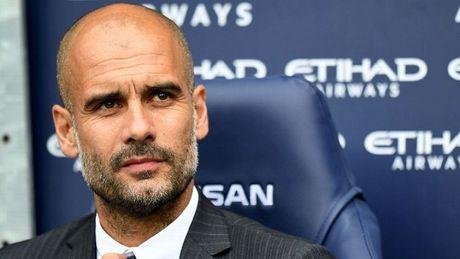 Pep Guardiola TIET LO nguoi thay the Sergio Aguero o derby Manchester - Anh 1