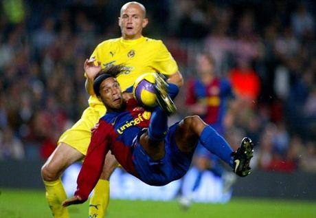 Ronaldinho se giai nghe vao cuoi mua - Anh 1