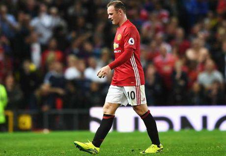 Mourinho quyet khong tuoc bang thu quan cua Rooney - Anh 1