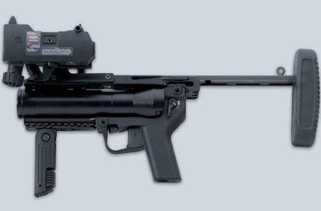 Sung truong HK-416 lai sung phong luu M320: 'Than chet la day' - Anh 8