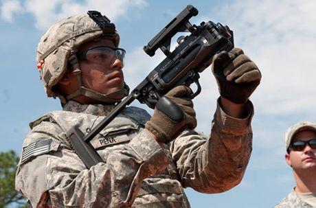 Sung truong HK-416 lai sung phong luu M320: 'Than chet la day' - Anh 9