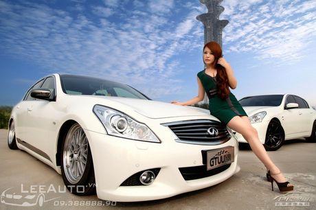 'Hot teen' Chau A khoe dang ben xe the thao Infinity G37 - Anh 5