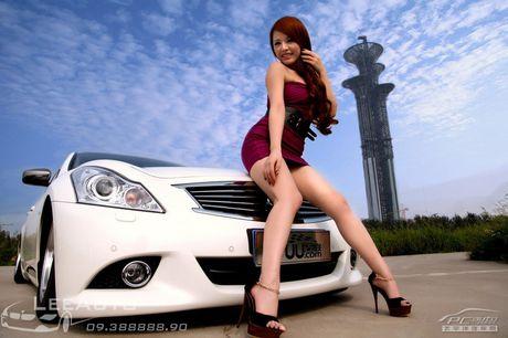 'Hot teen' Chau A khoe dang ben xe the thao Infinity G37 - Anh 6