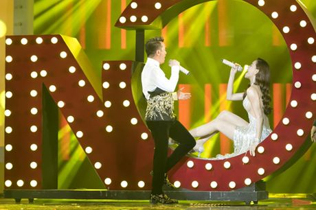 Dam Vinh Hung bien hoa nhu 'tac ke hoa' trong liveshow 12 ti - Anh 23
